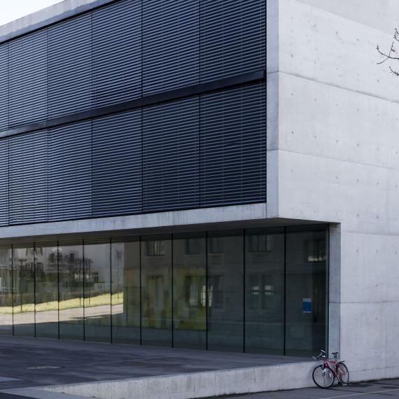 Schulhaus_Buchental_1